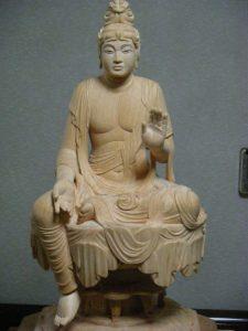 木造弥勒菩薩半跏像